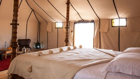 Erg-Chebbi-luxury-desert-camp-morocco-special-experience-tour
