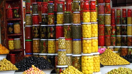 Marrakech-cookery-holiday-olive stall