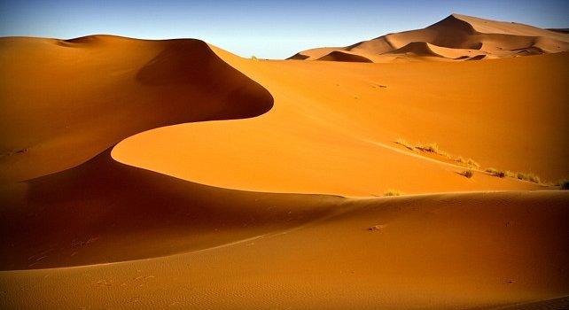 [Imagen: sahara-desert-generic-dunes-landscape-sl...42h350.jpg]