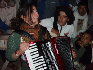 Morocco Cultural Holidays - Irish musician meets nomads in M'Hamid el Ghizlane