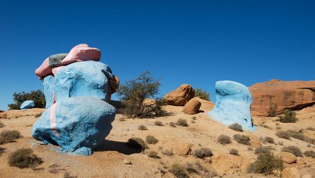 Tafraoute-painted-rocks-southern-sahara-tour