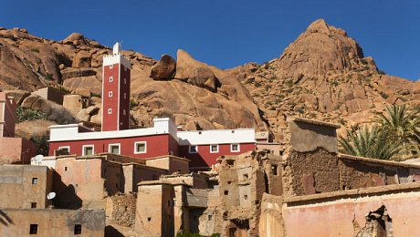 Morocco-adventure-holidays-Tafraoute-village