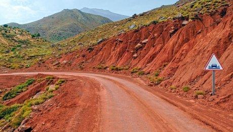 The glaoui kasbah trail ait benhaddou telouet for Morocco motors erie pa
