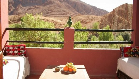 Morocco-rock-climbing-tours-guesthouse-Todra